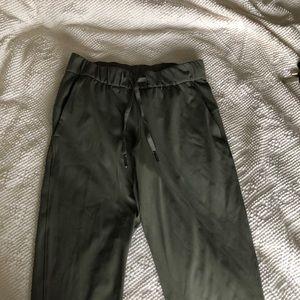 Lululemon On The Fly Pants Size 4